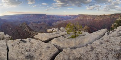 Grand View Sunset, Grand Canyon, Arizona (Rocks on the edge)