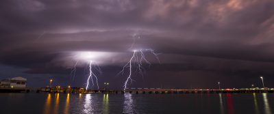Shelf Cloud over Darwin Harbour 4-4-15 (Lightning)